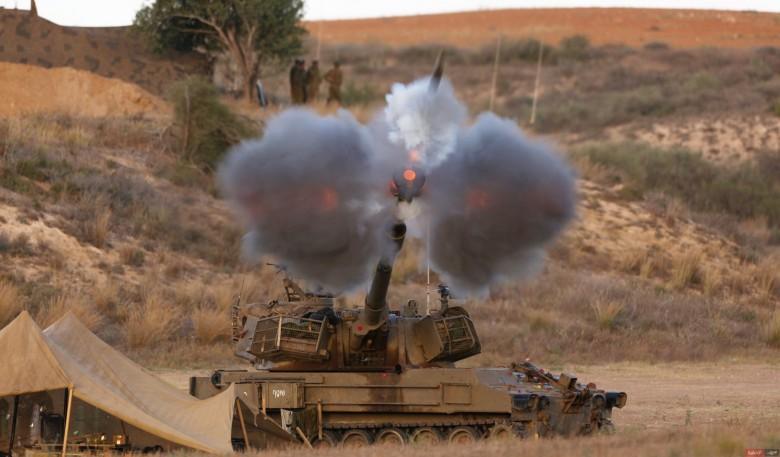 إصابة مواطن بقصف مدفعي شرق غزة
