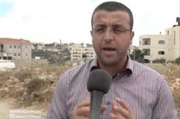 """الاحتلال يجدد منع المحامي من زيارة الصحفي """"القيق"""""""