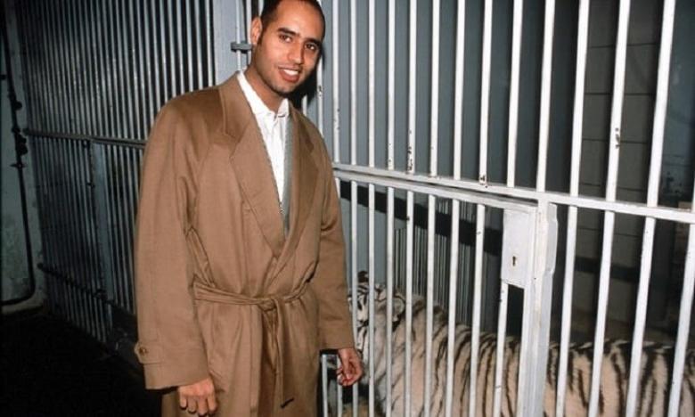 الغارديان: القذافي يحشد جيش والده للزحف على طرابلس!