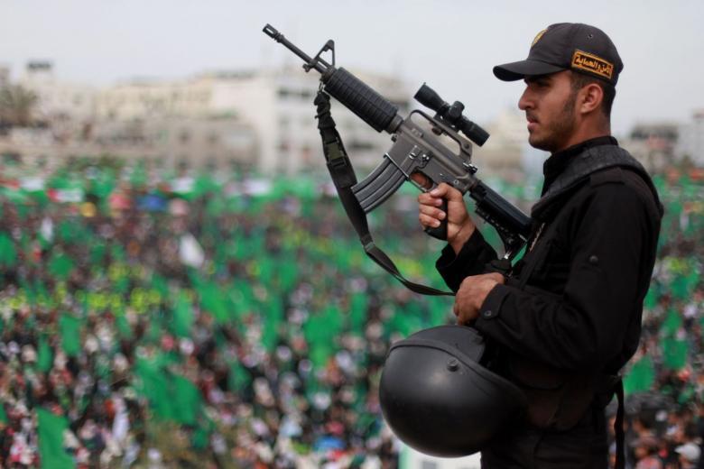 """جنرالات وساسة """"إسرائيل"""" يتخبطون في التعامل مع حماس"""