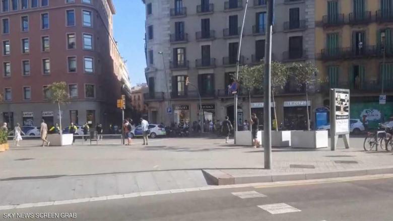 "قتيلان وجرحى في ""هجوم إرهابي"" وسط برشلونة"