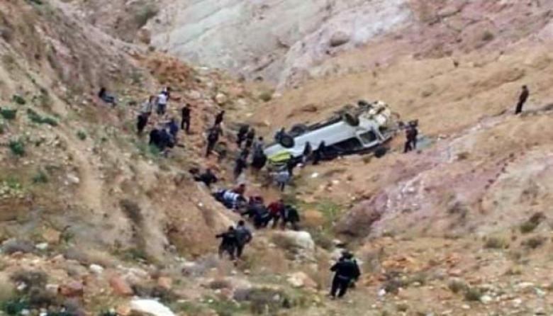 """17 إصابة بتدهور """"ديانا"""" على طريق البحر الميت"""