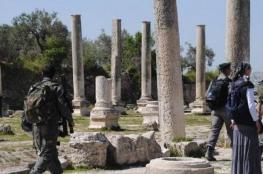 مواجهات إثر اقتحام مستوطنين لسبسطية الاثرية شمال نابلس