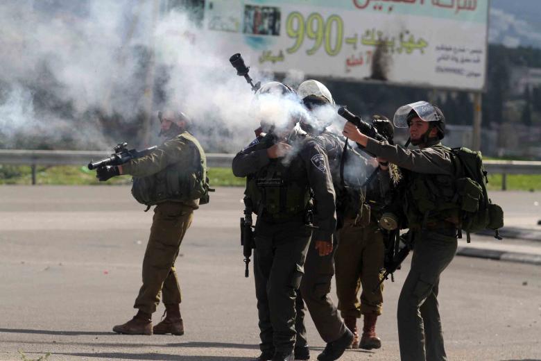 حالات اختناق خلال مواجهات مع الاحتلال في يعبد