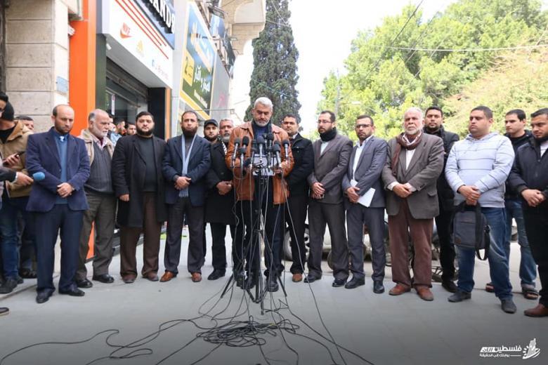 فصائل المقاومة: السلطة تقف موقف العداء تجاه غزة