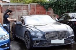 محمد صلاح يقتني سيارة جديدة وهذا سعرها