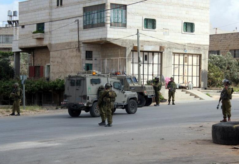 الاحتلال يسلم فتيين من بيت لحم بلاغين لمراجعة مخابراته