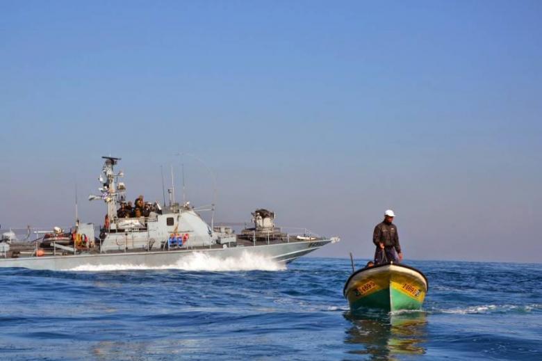 الاحتلال يطلق النار على قوارب الصيادين في بحر بيت لاهيا