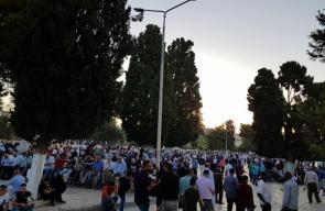 آلاف المصلين يرابطون في المسجد الأقصى المبارك