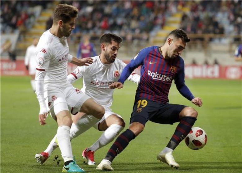برشلونة يجمد الحدادي