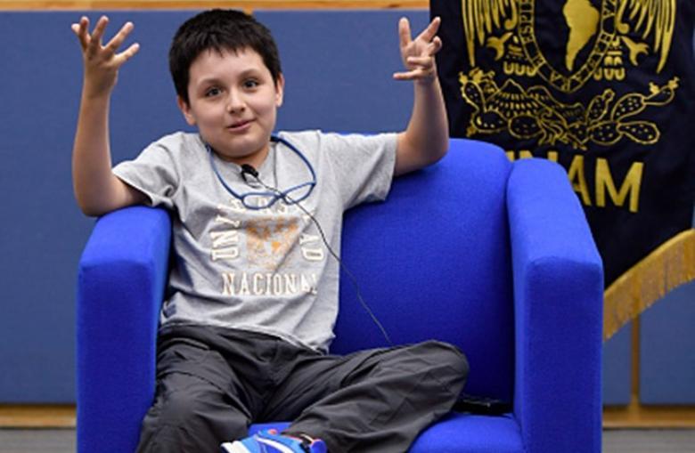 طفل في الثانية عشرة يلتحق بأكبر جامعات المكسيك