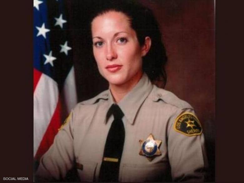 """بعد ثوان من """"العمل النبيل"""".. شرطية تلقى مصرعها في كاليفورنيا"""