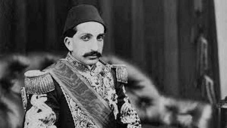 في ذكرى وفاته.. هل خان السلطان عبد الحميد أحمد عرابي؟!