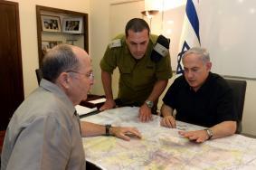 هجوم واسع على نتنياهو ويعلون لفشلهما في إدارة حرب غزة