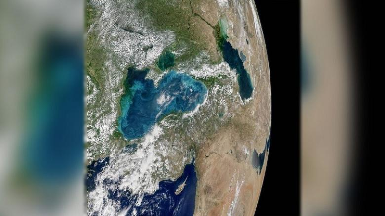 البحر الأسود يغير لونه!