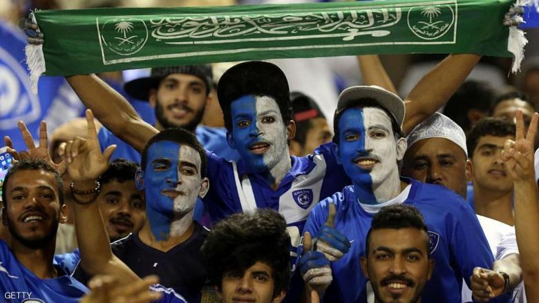 الهلال يحتفظ بصدارة الدوري السعودي
