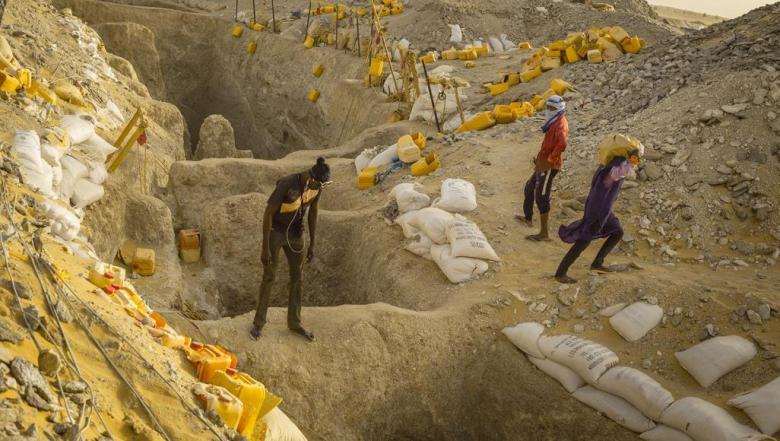 الباحثون عن الذهب.. أحلام الثراء تؤدي بالعشرات إلى السجن في موريتانيا