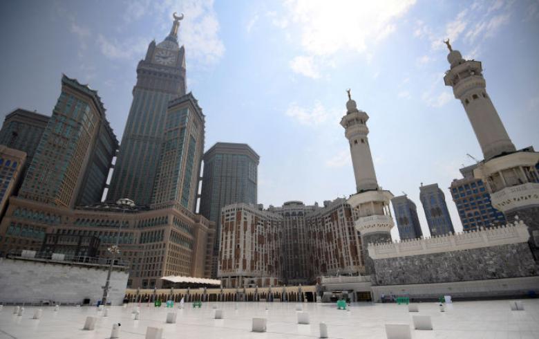 قرار سعودي لحل مشكلة استطلاع الهلال