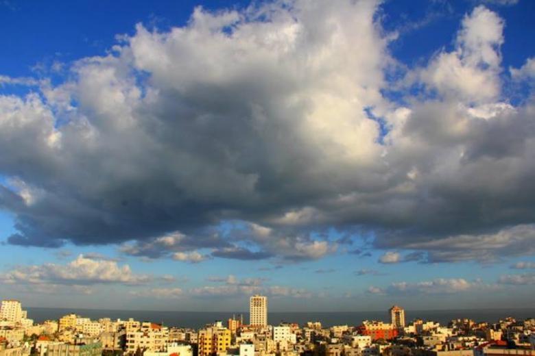 الطقس: انخفاض ملموس وفرصة ضعيفة لسقوط أمطار