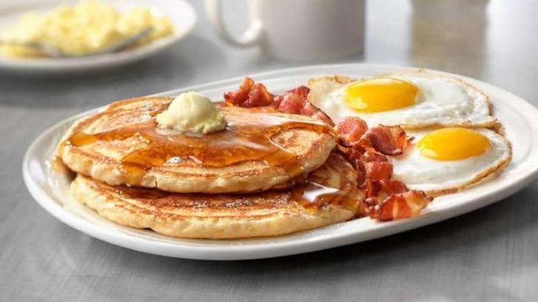 كيف تحضرين فطور صحي يناسب جسمك بالخطوات؟