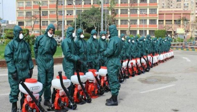 الجيش المصري يعقم مبنى الحكومة والبرلمان من فيروس كورونا