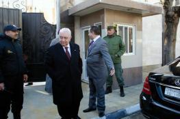 كيف قرأ موقع إسرائيلي إعادة أبو ظبي لافتتاح سفارتها بدمشق؟
