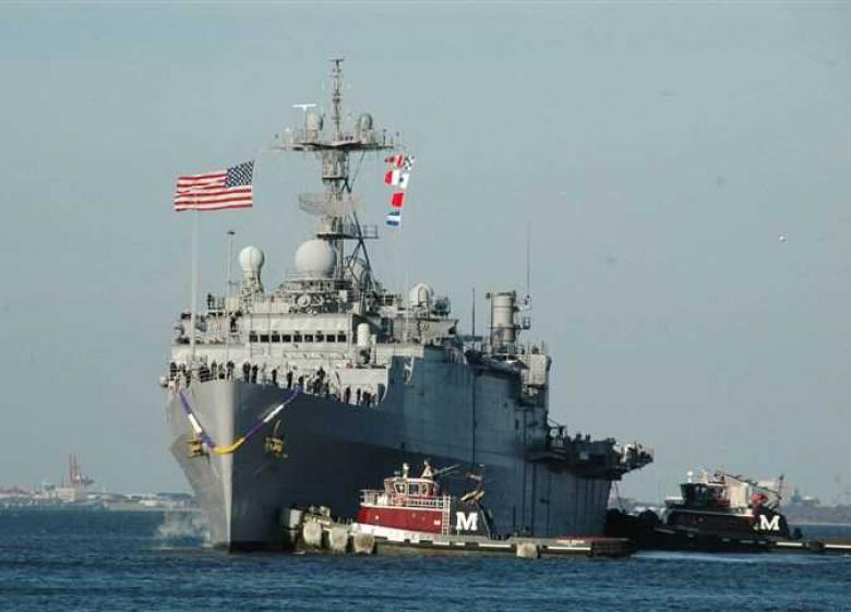 """مدمرتان أميركيتان تبلغان """"بحر الأزمات"""".. وغضب صيني"""