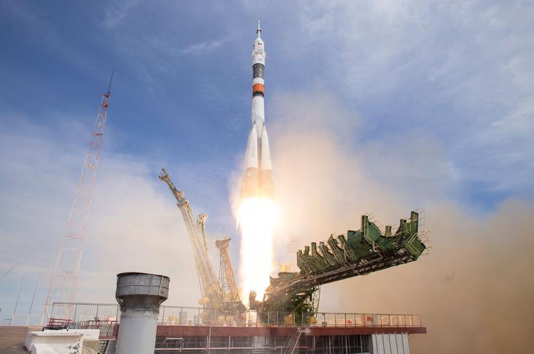 روسيا تطلق رحلة مأهولة إلى محطة الفضاء الدولية