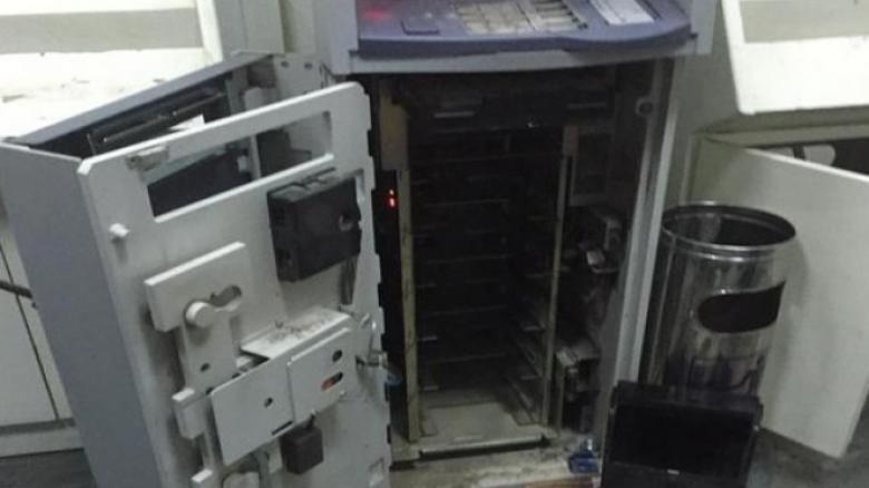 الشرطة تكشف ملابسات سرقة صراف آلي في البيرة