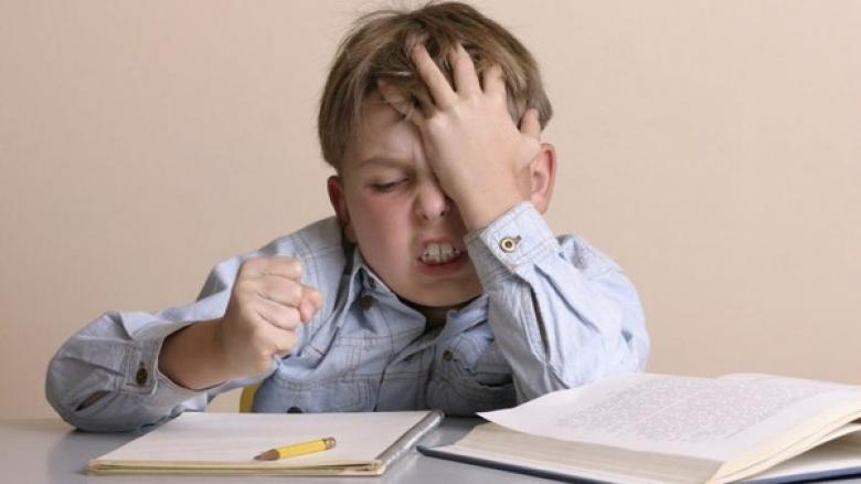 هل يعاني طفلك من ضعف التركيز؟ جربي هذا الحل السحري