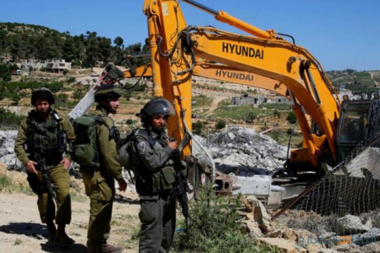الاحتلال يهدم غرفتين زراعيتين ويجرف أراضي في ترقوميا