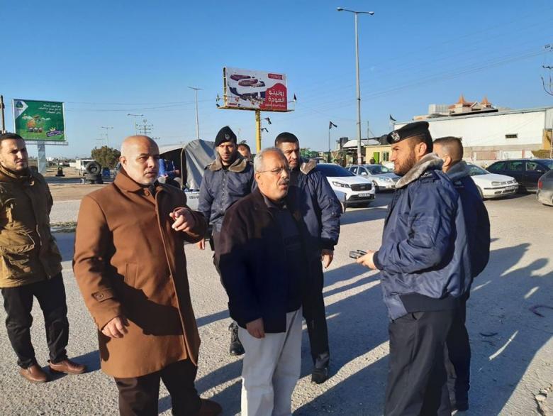أبو نعيم يجري جولة ميدانية برفقة عدد من المسؤولين