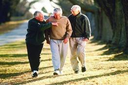 رياضة المشي تنمي مهارة التفكير لكبار السن