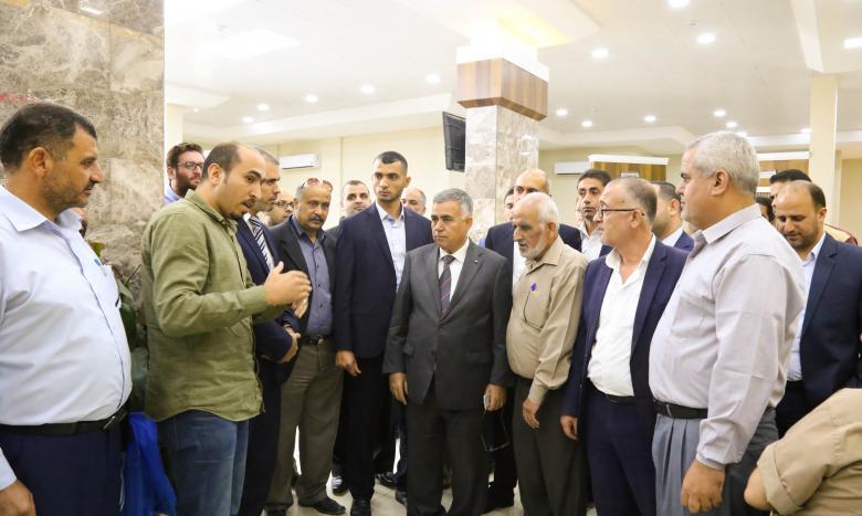 وزير الحكم المحلي يطلع على احتياجات بلدية خان يونس