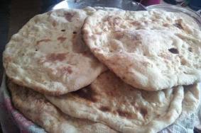 خبز الطابون.. تراث فلسطيني حاضر لا يغيب