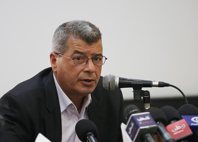 قراقع: القيادة تبذل جهوداً كبيرة لنصرة الأسرى المضربين
