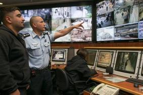 دور كاميرات المراقبة في الكشف عن هوية منفذي العمليات ضد الاحتلال