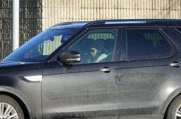 ميغان تقود سيارتها بنفسها، وهاري يشارك في آخر حدث عام بالقصر