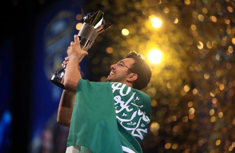 """شاب سعودي بطلا للعالم في لعبة """"فيفا 18"""""""