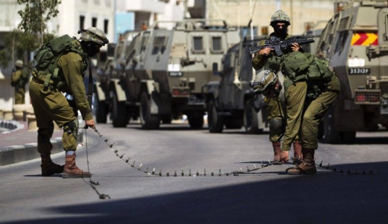 الاحتلال ينصب حاجزاً جنوب نابلس ويعيق حركة المواطنين