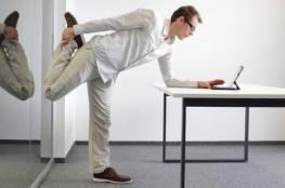احذر.. الوقوف أو الجلوس الخاطئ لفترات طويلة يصيبك بأمراض خطيرة