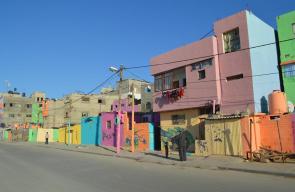 ألوان زاهية تكسو واجهة مخيم الشاطئ