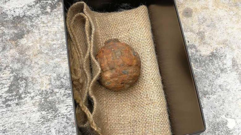 قنبلة من الحرب العالمية الأولى وسط شحنة بطاطا