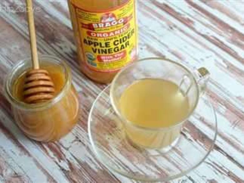 تعرّف على فوائد خلط الماء بالعسل