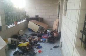 قوات الاحتلال تعيث خرابا بمنزل الأسير