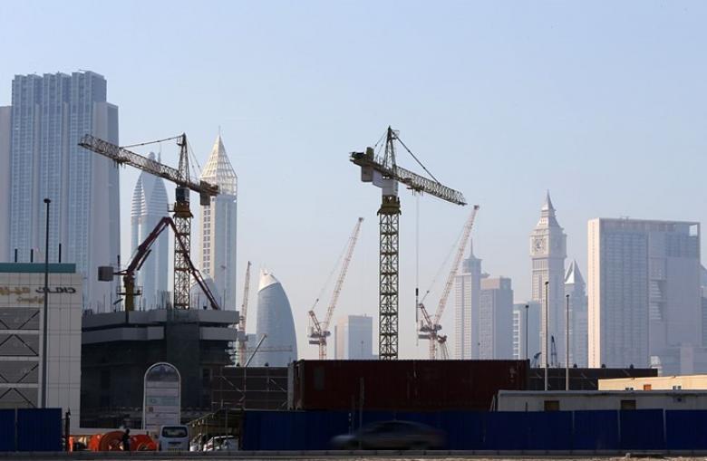 تراجع مطرد في أسعار العقارات الإماراتية بنسبة 7.4 بالمئة