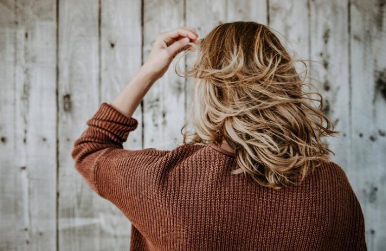 13 خطأ في تصفيفة الشعر قد يجعلك تبدو أكبر سنا