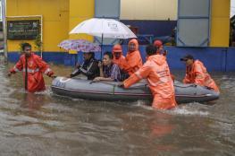 الفيضانات تغمر آلاف المنازل في العاصمة الإندونيسية