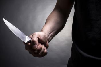 إعلامي سعودي يقتل زوجته ويحاول طعن شقيقتها