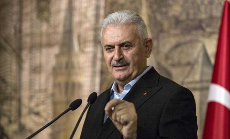 رئيس وزراء تركيا يقول إن بلاده تحتجز عشرة آلاف من تنظيم الدولة